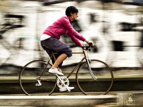 Cómo cuidar la curva de la espalda en la bicicleta